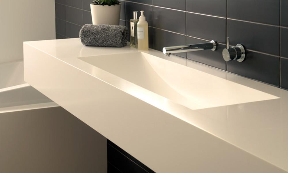 Mobiliario con Solid Surface para baños
